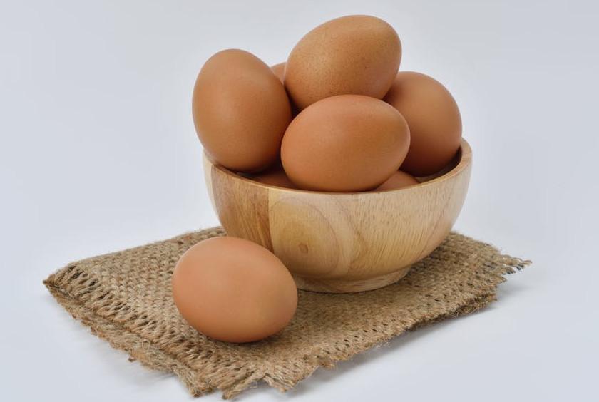 7 basic baking ingredients   eggs